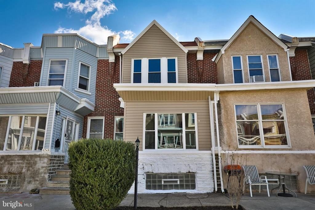 5743 N Camac St Philadelphia, PA 19141
