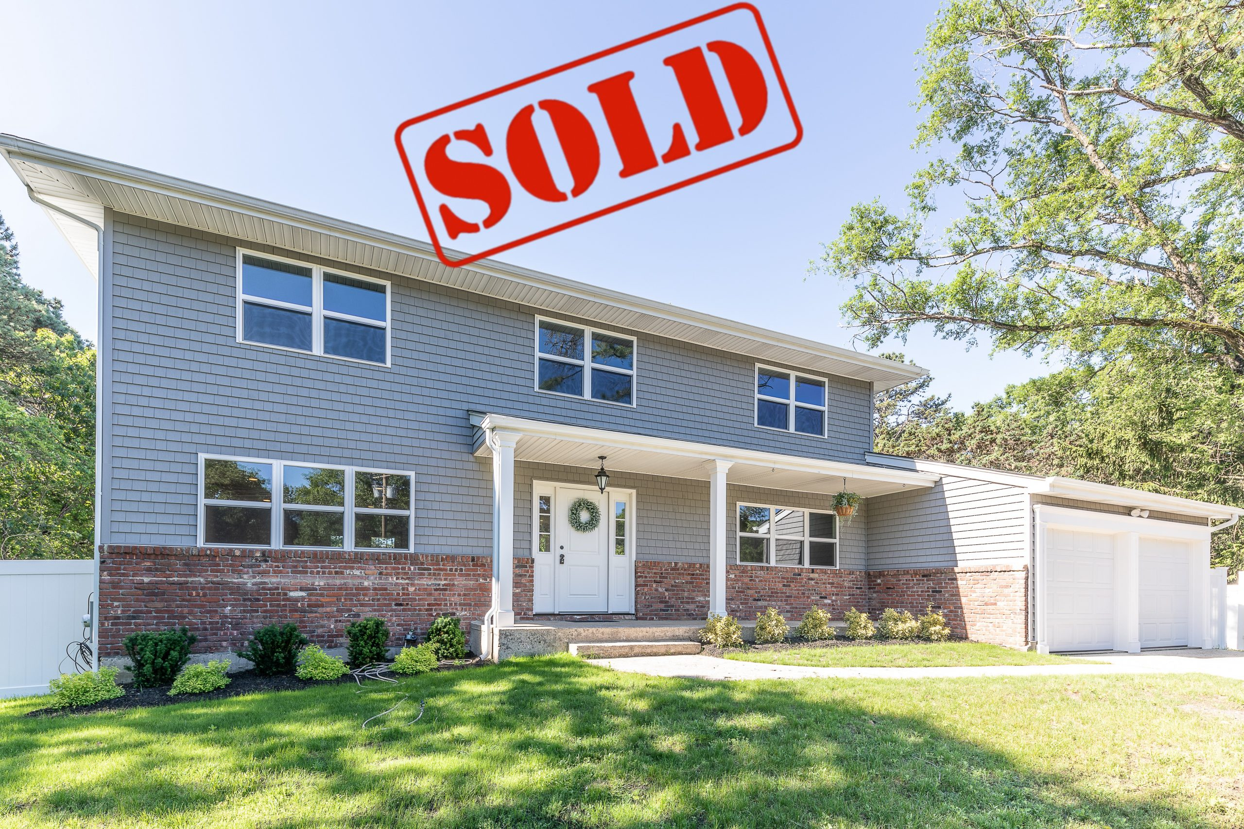 sold • 642 Hawkins Rd-Selden