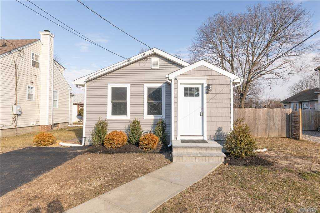 23 Vernon Street Patchogue, NY 11772